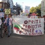 Zeci de sătmăreni au ieșit și în această duminică în stradă pentru a protesta împotriva proiectului Roșia Montană