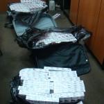 2.000 pachete ţigări descoperite în bagajele unei femei