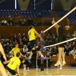 Fosta campioană a României, SCVM Zalău (foto, în galben) dă startul în noua ediție a Diviziei A1 de volei masculin / Foto Dan Bodea