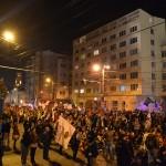 Protestatarii au rămas pe Calea Moților unde traficul este blocat de la ora 19:45 (Foto: Radu Hângănuț)