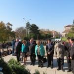 Oficialitatile au depus coroane la Statuia Ostasului