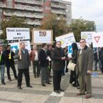 PDL Satu Mare a scandat joi în fața Prefecturii împotriva codului rutier