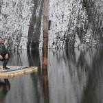 Florin Vidamski,   interpretul personajului biblic Iona,   pe pluta improvizată din Salina Turda