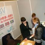 Medici tineri căutându-și un job în afara țării