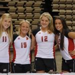 Lavinia Tătăran(prima din dreapta) desemnată cea mai bună jucătoare a echipei Ragin Cajuns a colegiului University of Louisiana at Lafayette. Foto/Facebook.com