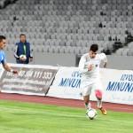 """Valentin Lemnaru (foto,   în alb) a adus primul punct al Universităţii în meciurile disputate în deplasare în acest campionat,   după FC Botoşani - """"U"""" 1-1- Foto Dan Bodea"""