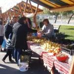 Clujenii s-au înghesuit să se aproizioneze pentru iarnă,   pe ritmuri de muzică populară.