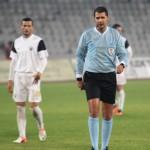Centralul Robert Dumitru a dictat două penalty-uri împotriva Universităţii cu Poli Timişoara / Foto: Dan Bodea