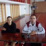 Antrenorul Peter Eles şi jucătoarea Eniko Laza sunt de părere că CSM porneşte favorită în întîlnirea cu Nova Vita