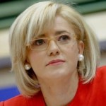 Corina Creţu îl critică pe Băsescu: Preşedintele vrea să blocheze România