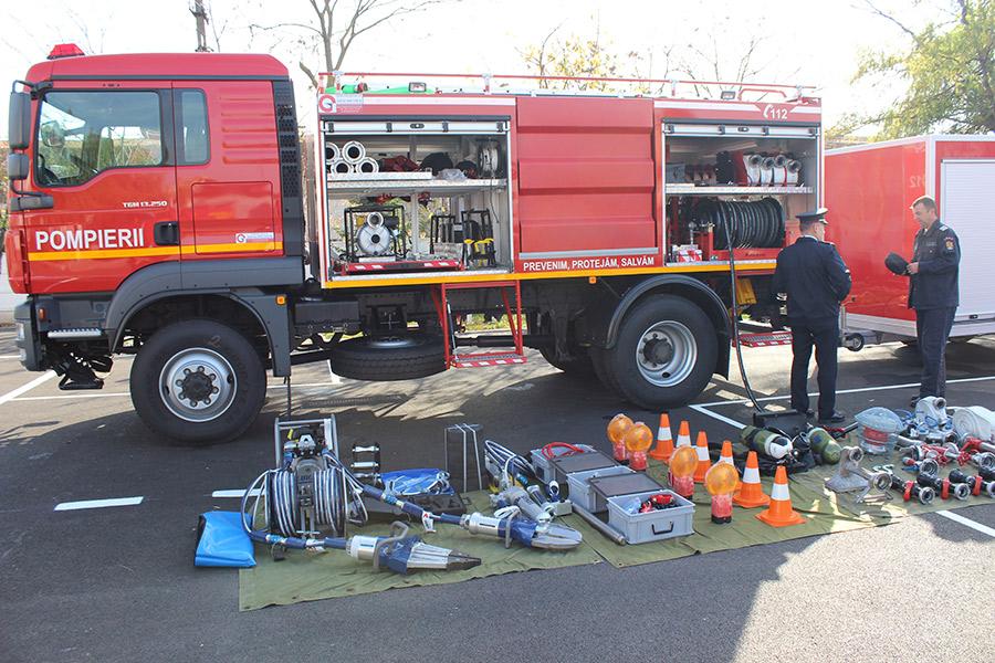 [Imagine: inaugurare-pompieri.jpg]
