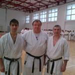 Mihai Apan (foto, în centru) este considerat păritele karate-ului sătmărean
