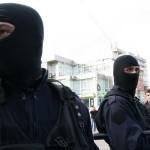 Opt persoane au fost reţinute pentru 24 de ore / Sursa foto: cugetliber.ro