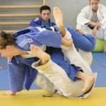 Corina Căprioriu (foto, în albastru) şi Loredana Ohâi, legitimate la Universitatea Cluj, reprezintă România la Grad Prix-ul de judo de la Abu Dhabi / Foto: Dan Bodea