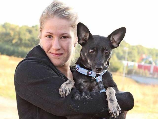 Erica Larsson, alături de câinele ei Milah/Foto: Arhiva personală