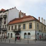 Centrul Clujului arată ca după război și fațadele clădirilor stau să cadă pe trecători. (Foto: Dan Bodea)