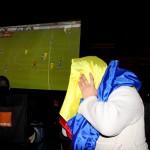 Dezamăgirea a fost mare în rândul fanilor clujeni care au urmărit partida România-Grecia pe un ecran-gigant amplasat în Piața Unirii (Foto: Dan Bodea)