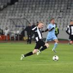 Lorand Kovacs (foto,   în alb şi negru) a marcat primul său gol în tricoul Universităţii,   în minutul 39 al meciului cu FC Braşov / Foto: Dan Bodea