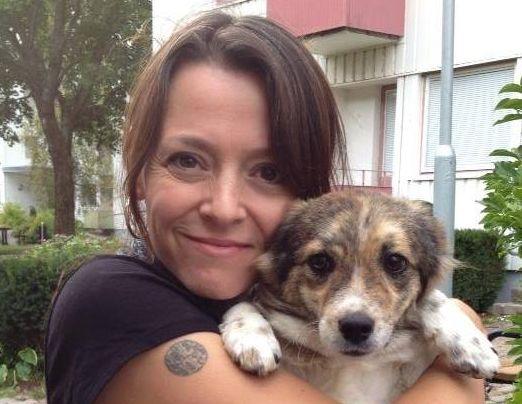 Teresa, cu câinele ei Matilda/Foto: Arhiva personala