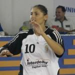 """Florina Chintoan (foto) a marcat şase goluri cu Neptun Constanţa dar nu a putut evita înfrângerea echipei """"U"""" Jolidon în meciul din cadrul etapei a VII-a"""