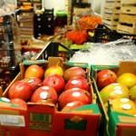 Gruparea a făcut tranzacţii cu fructe din Ungaria şi Italia,   prin intermediul unor firme fantomă