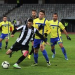 """Valentin Lemnaru (foto,   în prim plan) a marcat a doua dublă consecutivă pentru """"U"""" şi clujenii simt din nou că sunt în joc pentru evitarea retrogradării / Foto: Dan Bodea"""