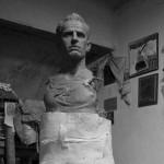 Bustul simbolului Universităţii Cluj,   doctorul Mircea Luca,   va fi dezvelit,   duminică,   de la ora 13.00,   în faţa stadionului Cluj Arena / sursa foto: iest.ro (Raul Ştef)