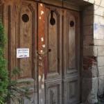 Clădirea în care Muzeul de Speologie funcționa este un pericol pentru eventualii vizitatori,   motiv pentru care,   de doi ani,   este închisă.