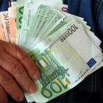 Avocata a fost prinsă în flagrant cu o șpagă de 5.000 de euro / Sursa foto: economica.net