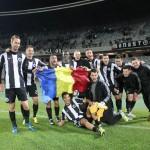 """Fotbaliştii de la """"U"""" au sărbătorit ziua naţională a României imediat după victoria cu 2-0 în faţa celor de la FC Braşov / Foto: Dan Bodea"""