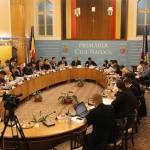 Consilierii USL: PDL şi primarul Boc pun pumnul în gura opoziţiei