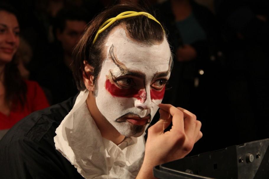 Una dintre măștile realizate în timpul atelierului de machiaj scenic a fost masca kabuki/Foto: Dan Bodea