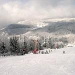 Stațiunea de ski de la Cavnic este una dintre preferatele împătimiților de sporturi de iarnă din Transilvania de Nord (sursa foto: holario.ro)