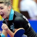 După medalia de bronz obţinută cu echipa României,   Bernadette Szocs s-a calificat în 8-imi la mondialele de juniori de tenis de masă