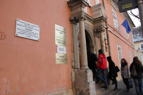 Pe Clădirea Echinox a fist instalată deja o plăcuță omagială/ Foto: Dan Bodea