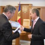 """Premiul """"Jurnalist European"""",   înmânat """"Asociaţiei Presei Independente"""" din Republica Moldova"""