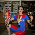Cu trei medalii,   dintre care două de aur,   cucerite la CE de haltere,   Denisa Felecan a fost desemnată numărul 1 în sportul clujean în 2013 / Foto: Dan Bodea