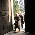 Doar câțiva bătrâni se mai roagă în biserica armenească din Gherla/ Fiti: gazetino.wordpress.com