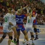 HCM Baia Mare a câștigat greu în fața celor de la SCM Craiova,   dar au preluat șefia în Liga Națională feminină de handbal