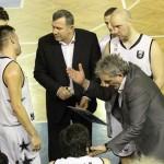 Milorad Perovic pleacă,   Dorin Pintea rămâne antrenor iar jucătorii de bază ai echipei vor avea salariile pe luna ianuarie mai mici cu 50% (Foto: Dan Bodea)