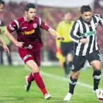 """Suporterii lui """"U"""" vor să organizeze meciul de retragere al fostului golgheter şi antrenor al echipei,   Claudiu Niculescu (foto,   în alb şi negru)"""