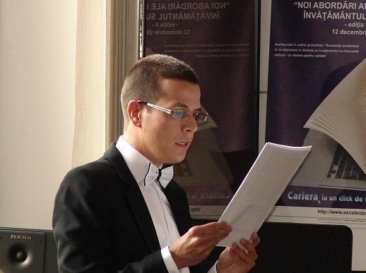 """Silviu Mihăilă este profesor de limba și literatura română la Colegiul Național ,  ,  Horea,   Cloșca și Crișan"""" Alba Iulia"""