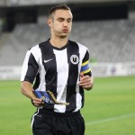 """Căpitanul Universităţii Cluj,   Dan Bucşa,   a avut nevoie de 51 de meciuri în alb şi negru,   până să marcheze primul gol pentru """"şepcile roşii"""" / FOTO: Dan Bodea"""