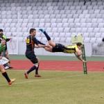 Ionuţ Dumitru (foto,   în săritură) a culcat de două ori balonul în terenul de ţintă al Spaniei şi a adus o nouă calificare a României la Cupa Mondială de rugby / FOTO: Dan Bodea