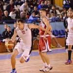 Reactivată la începutul acestui sezon echipa masculină de baschet a Universităţii Cluj ar putea fi surpriza plăcută la finalul campionatului,   în divizia secundă / FOTO: Dan Bodea