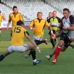 "Nicolae ""Nino"" Barbu (foto, la minge) şi-a reziliat contractul cu echipa de rugby ""U"" Cluj pentru a semna cu CSM Bucureşti / FOTO: Dan Bodea"