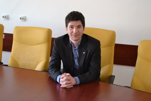 Ionuț Nistor,   decan al Facultății de Business