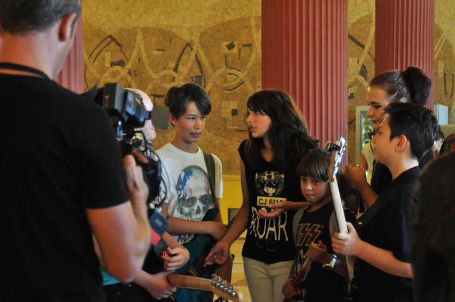 """""""Trupa lu Bunu"""" în timpul unui interviu la Pro TV,   după prestaţia lor la """"Românii au talent"""""""