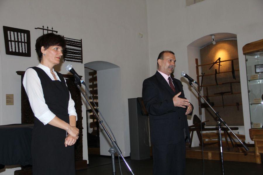 Vladimir-Alexandru Bogosavlievici şi Laura Zmicală,   autorii ghidului/Foto: Dan Bodea