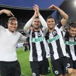 Maximilian Nicu (foto,   al doilea din stânga) a fost felicitat de coechipieri pentru a doua reuşită în Liga I,   după 1-0,   cu FC Vaslui / FOTO: Dan Bodea